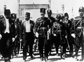چهار سال پادشاهی محمد نادرشاه- 1 | جامعه و فرهنگ | DW.COM | 20.04.2011