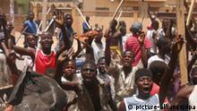 Nigeria Unruhen Wahlen Jugendliche NO FLASH