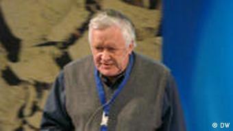 Professor Hans Storch Leiter des Helmholtz Zentrums in Geesthacht beim Extremwetterkongress in Hamburg am 12.04.2011 (Foto: DW/Fabian Schmidt)