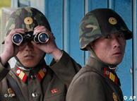 Soldados norte-coreanos: face a face com os colegas do sul