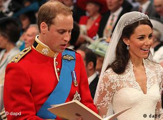 Prinz William (l.) und Kate Middleton (Foto: AP)