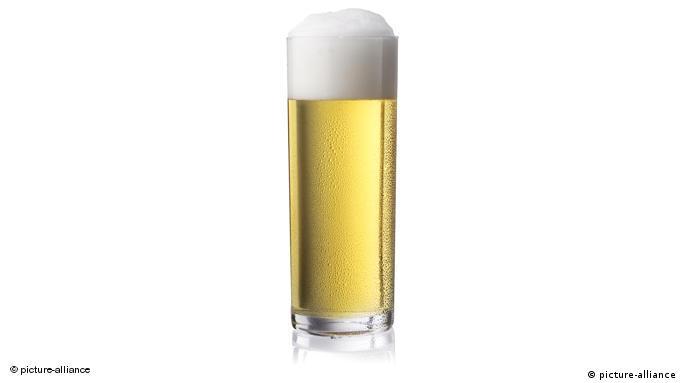 Узкий стаканчик (в идеале всего на 200 мл) для ''кельша'' (Kölsch)