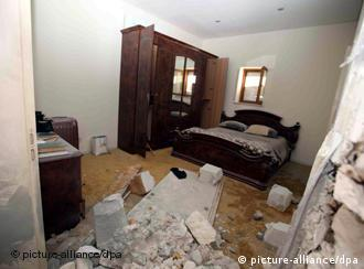 epa02712665 A view of one of the bedrooms in the damaged house of Libyan Leader Muammar Gaddafi, one day after it was hit by an airstrike, in Tripoli, Libya, 01 May 2011. Saif al-Arab Gaddafi, 29, was killed in a NATO airstrike on the capital Tripoli, a spokesman for the government said on state television late 30 May. His father and Gaddafi's wife survived the attack, despite being in the same house, spokesman Moussa Ibrahim told reporters after they were led on a tour of the bombing site. Three grandchildren of Gaddafi were also reported to have been killed in the attack on the Bab al-Aziziya compound, which was struck by at least three missiles. EPA/STR +++(c) dpa - Bildfunk+++
