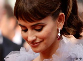 Actress Penelope Cruz poses on the red carpet for the screening of Pirates of the Caribbean: On Stranger Tides, at the 64th international film festival, in Cannes, southern France, Saturday, May 14, 2011. (AP Photo/Joel Ryan)