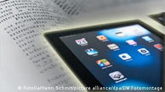 Ein iPad liegt auf einer Zeitung (Fotos: Fotolia/dpa / DW-Montage)