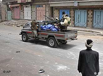 Bewaffnete Aufständische in Sanaa (Foto: AP)