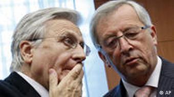 EZB-Präsident Jean-Claude Trichet (links) und Luxemburgs Finanzminister Jean-Claude Juncker (Foto: AP) Quelle: AP/dapd