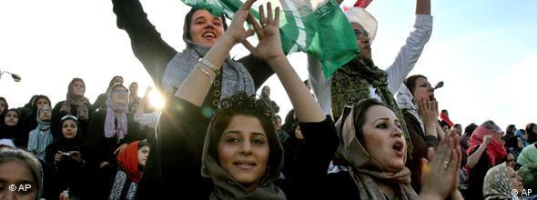 NO FLASH Frauenfußball im Iran