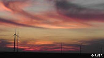 Windräder in der rumänischen Region Dobrogea, in der Nähe der Küste des Schwarzen Meeres. Das Copyright liegt beim Rumänischen Windenergie-Verband (RWEA), Adresse: Strada C.A. Rosetti nr 17, etaj 2, Birou 216, sector 2, Bukarest, Rumänien, Tel. 0040720555613 *** Verwendung nur zur Berichterstattung über den Rumänischen Windenergie-Verband ***