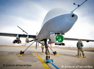 epa02730639 A British Ministry on Defence handout photograph dated 28 February 2011 and released on 13 May 2011 showing a Reaper a Remotely Piloted Air System (RPAS), part of 39 Squadron Royal Air Force. The Reaper has completed 20,000 operational flight hours in theatre, and is operated from Kandahar Air Field (KAF) in Afghanistan. The British Ministry of Defence reported on 13 May 2011 that the Reaper is a medium-to-high altitude, long endurance Remotely Piloted Air System (RPAS). The Reaper's primary mission is to act as an Intelligence, Surveillance and Reconnaissance (ISR) asset, employing sensors to provide real-time data to commanders and intelligence specialists at all levels. EPA/Cpl Mark Webster / BRITISH MINISTRY OF DEFENCE / HANDOUT MANDATORY CREDIT; CROWN COPYRIGHT HANDOUT EDITORIAL USE ONLY/NO SALES +++(c) dpa - Bildfunk+++