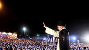 آیتالله خامنهای در جمع پرسنل نیروی دریایی سپاه و ارتش و خانوادههای آنان