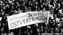 Willi Brandt Ostpolitik Demonstration Berlin Flash-Galerie