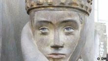 Porträt der bekanntesten Naumburger Stifterfigur Uta, die vor ca. 770 Jahren im Dom zu Naumburg an der Saale in Kalkstein eingemeißelt wurde. Aufgenommen am 27.06.2011 von Karin Jäger. DW an Rechte übertragen.