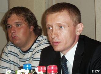 Председатель партии БНФ Алексей Янукевич (на фото справа)