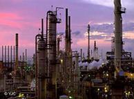 آمریکا صنایع نفت، گاز و پتروشیمی ایران را مورد تحریم قرار داده است
