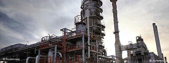 صنعت نفت فرسوده ایران نیازمند ۳۰۰ میلیارد دلار سرمایه گذاری جدید