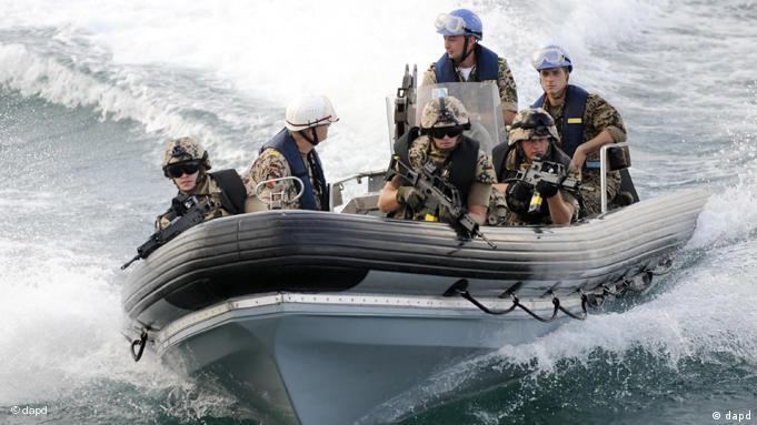 Bundeswehr Manöver Boot Boote FLASH-GALERIE