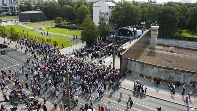 An aerial view of the memorial service at Berlin's Bernauerstrasse