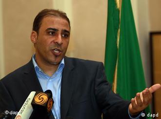Porta-voz do regime líbio pede diálogo com rebeldes