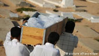 Libyen Beerdigung Tripolis Rebellen Gaddafi Friedhof