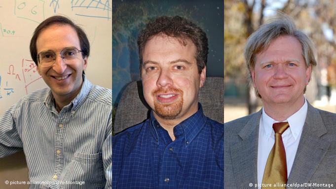 سول پرلماتر، آدام جی ریس و برایان پی اسمیت (از چپ)