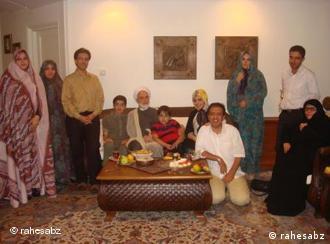 مهدی کروبی در جمع خانواده