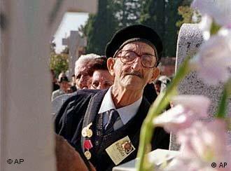 Ein Bürgerkriegsveteran auf dem Friedhof
