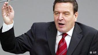Der damalige Bundeskanzler Gerhard Schröder (Foto: AP)