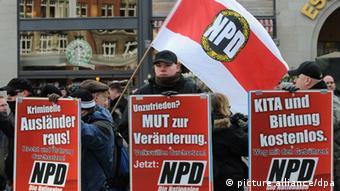 میتینگ انتخاباتی حزب ناسیونال دمکرات آلمان (NPD )