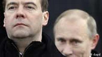 Dmitrij Medwedew und Wladimir Putin (Foto: dapd)