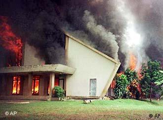 Biserică în flăcări în Indonezia