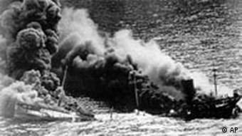 Allierter Tanker sinkt