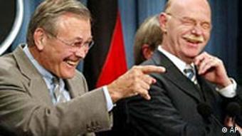 Donald Rumsfeld und Peter Struck