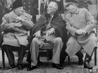 Conferința de la Ialta: România, ca şi alte state din regiune, rămânea la discreţia Moscovei, ca state inamice şi cărora li se ceruse capitularea necondiţionată.