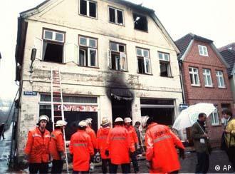 Ataque incendiário a casa de turcos perto de Hamburgo: três mortos