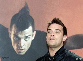 Robbie Williams picked up his fourth Echo at the 2005 awards