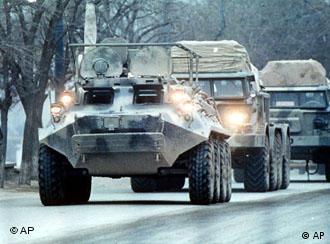 Tanques soviéticos em retirada