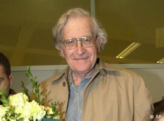 نوآم چامسکی، روشنفکر آمریکایی
