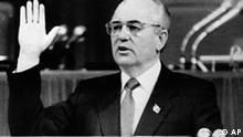 Gorbatschow wiedergewählt