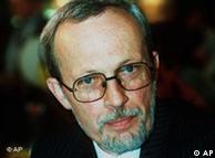 Lothar de Maiziere ishte i pari kryeministër  - 12 prill deri më 2 tetor 1990 - i zgjedhur në mënyrë demokratike në RDGJ