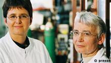 """Deutscher Zukunftspreis 2002 Nominierte """"Sanfte Chemie mit biologischen Katalysatoren"""" Prof. Dr. rer. nat. Maria-Regina Kula (Sprecherin) Priv.-Doz. Dr. rer. nat. Martina Pohl"""