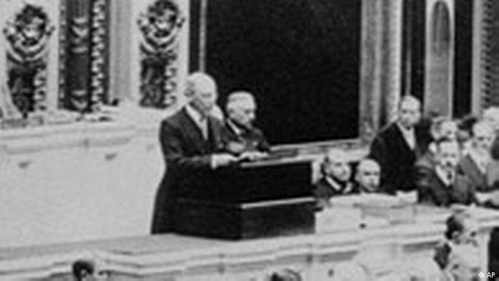 Woodrow Wilson declares State of War (AP)