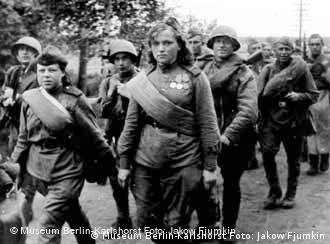 Russische Frauen bis heute 00