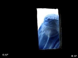 صدا زدن، اگر مورد خواست دختر نباشد، دروازه خوشبختی او را می بندد.