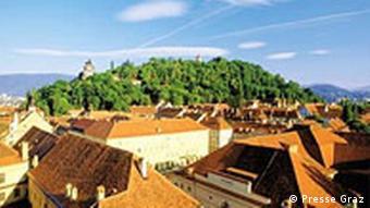 Dächerlandschaft in der Kulturhauptstadt Graz 2003 in Österreich