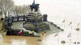Deutsches Eck im Wasser