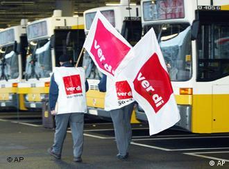 Conductores de autobús parados en Stuttgart
