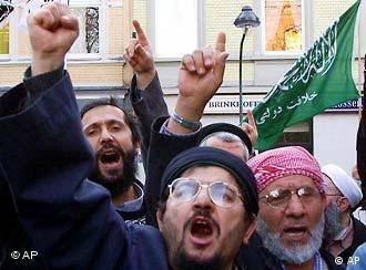 Демонстрация исламистов в Дюссельдорфе