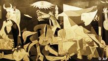 Ausschnitt Pablo Picasso's famous painting Guernica, depicting the results of a 1937 Nazi air bombing of the small Basque town of Guernica hangs in the Reina Sofia art museum in Madrid Friday, April 25, 1997. The 60th anniversary of the bombing will be April 26. (AP Photo/Santiago Lyon) (für Kalenderblatt)
