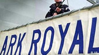 Der Flugzeuträger Ark Royal verläßt Grossbritannien in Richtung Golf